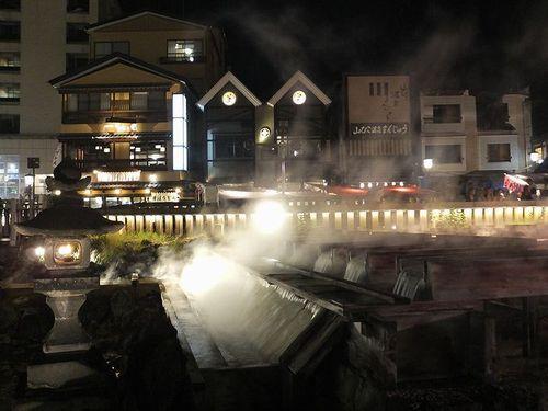 草津温泉湯畑ライトアップ3