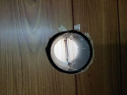 2010325カフェ壁換気扇DIY1