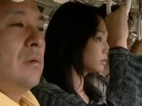 ヘンリー塚本 通勤バスの中でお尻を触られ不覚にも感じてパンツを濡らしてしまう女