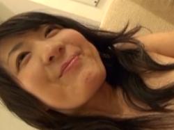 熟女動画 抜群にスタイルのいい人妻さんの陥没した乳首を気持ちよくして勃起させてみる