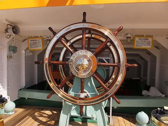 海王丸帆走用舵輪