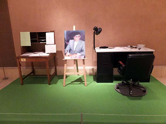 マンガ机とアニメ机の再現