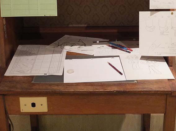 アニメ机の机上