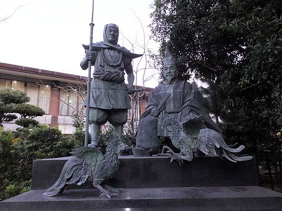 湛増・弁慶の像