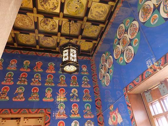 三重塔の天井
