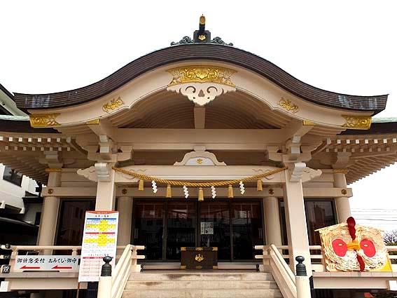 岡山神社拝殿