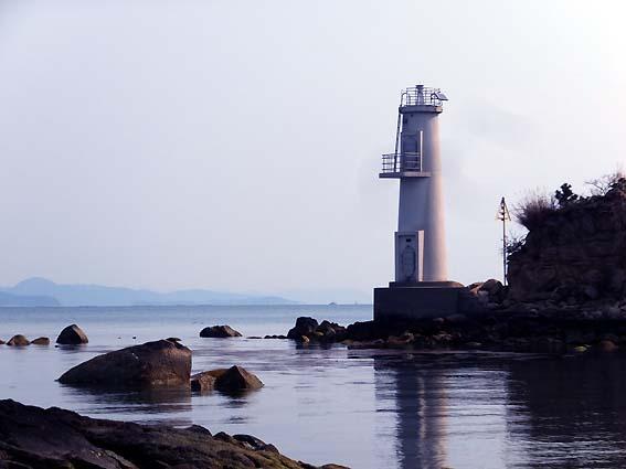 前島の灯台