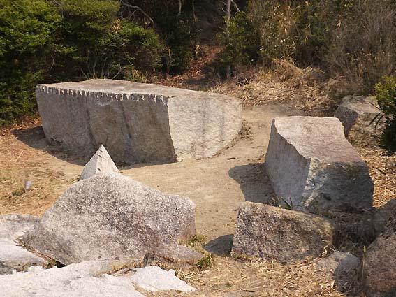 大坂城築城残石群