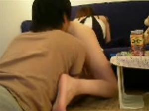【舐め犬動画!】 ギャルとM男の日常!アソコをクンニし続ける唖然の素人投稿・・・h