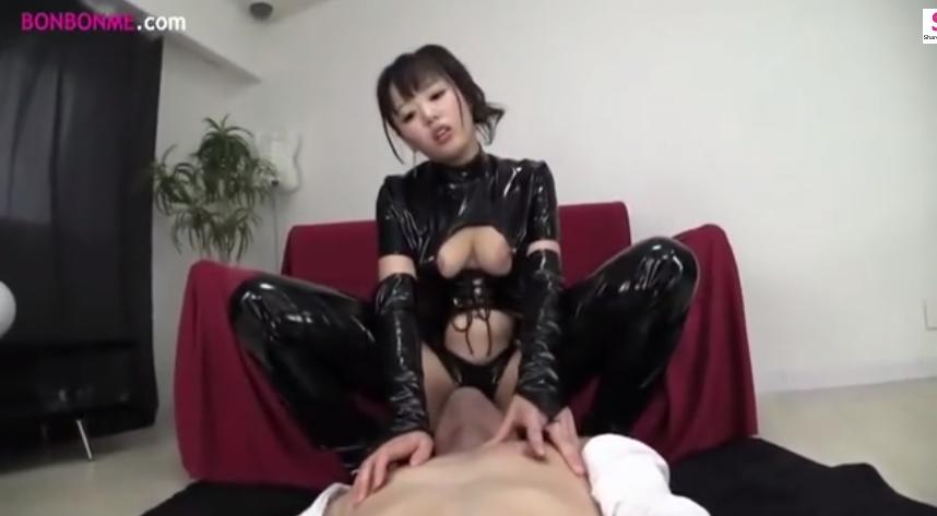 浜崎真緒 ボンテージ 顔面騎乗 M男 クンニ エロ動画