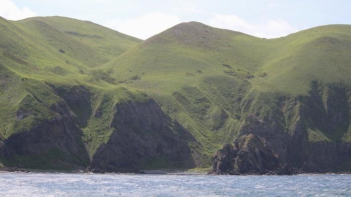 澄海岬の海食崖