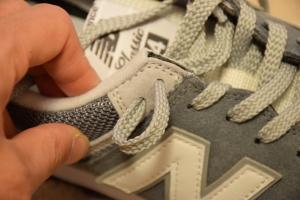 ニューバランスのスニーカーの靴紐の結び方9