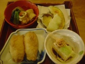 御嶽ご飯もの天ぷら煮物豆腐