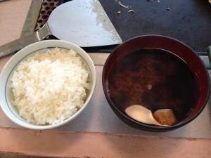 ぐぅちょきぱあご飯味噌汁