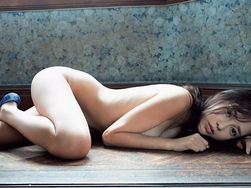 伊藤ゆみ巨乳おっぱい画像b11