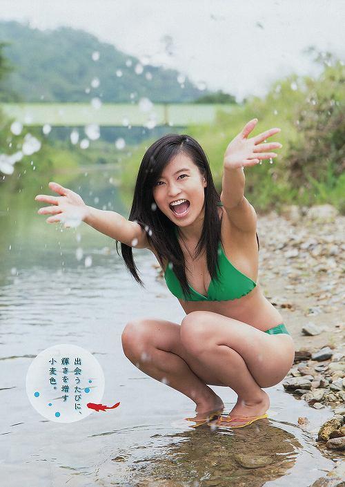 小島瑠璃子おっぱい画像b33