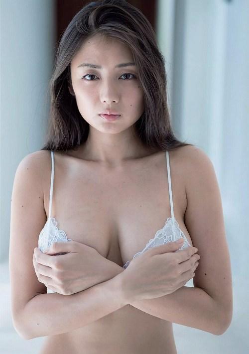 片山萌美巨乳おっぱい画像b33