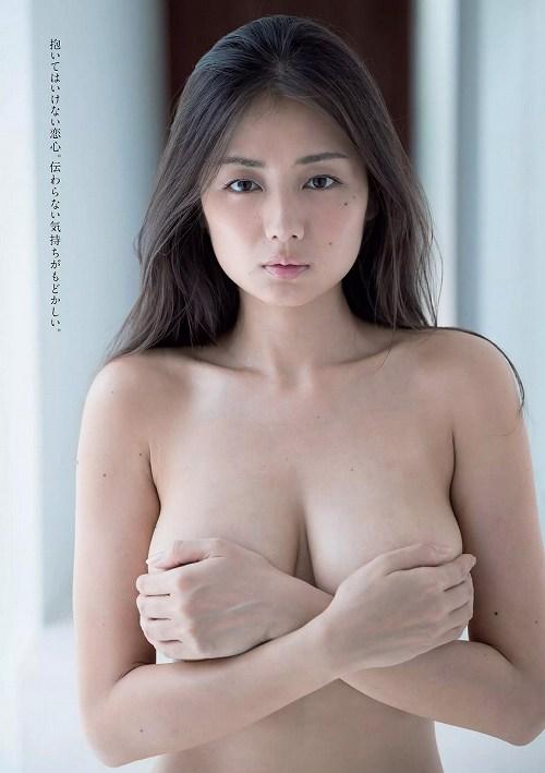 片山萌美 大和撫子モデル☆手ぶら解禁大人の色気漂う美巨乳お乳写真