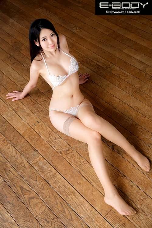 三田さえ巨乳おっぱい画像b10