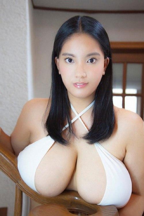 後藤田えみ水着画像b01