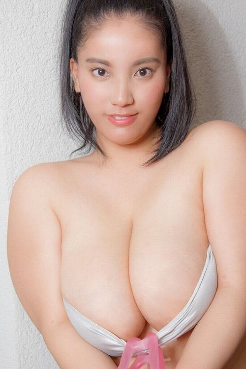 後藤田えみ水着画像b02