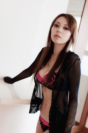 濱松恵 キャバ嬢の上位クラスにいそうなセクシーすぎり恋愛体質なおっぱい画像