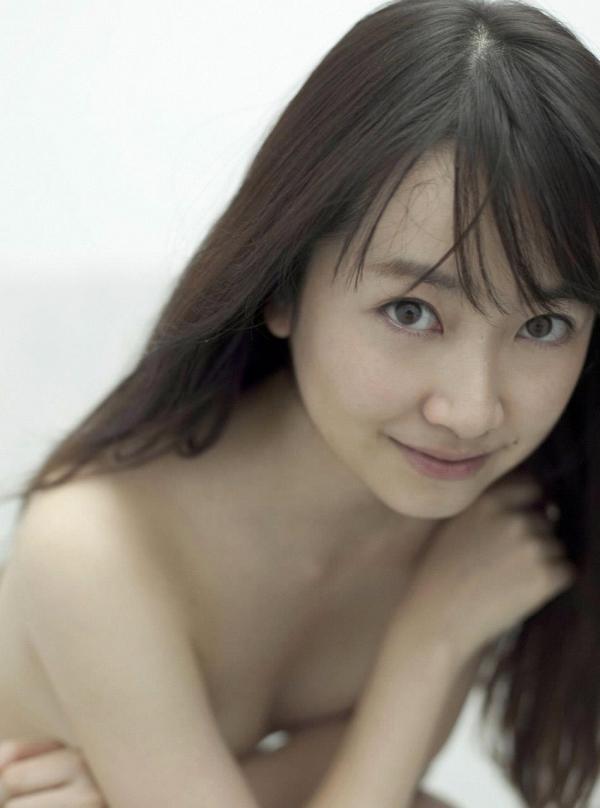 黒川智花 2時間ドラマに出ている気になる女優さんでセミヌードも披露しているおっぱい画像 表紙