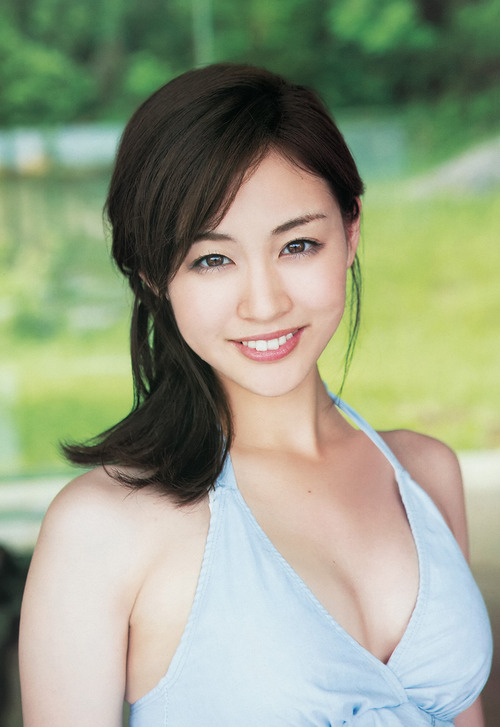 新井恵理那 美人すぎるキャスターは自然体の笑顔で癒やしてくれるおっぱい画像