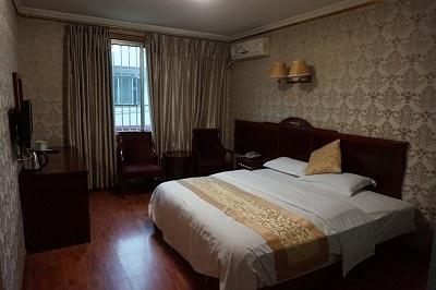 成都へ (5)一瞬いたホテル