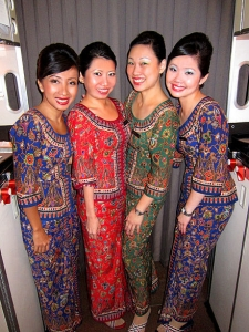 440px-Singapore_Airlines_Hostesses.jpg