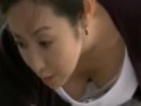 【お宝】斉藤由貴 前屈みになって巨乳がほぼ丸見えになっちゃったお宝動画