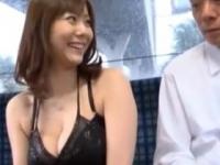麻美ゆま バスの中で男を誘惑してセックス