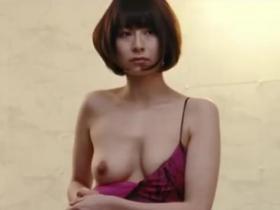 【濡れ場】大塚千弘 超絶美乳を露わにして激しいベッドシーンを乳首立たせて熱演