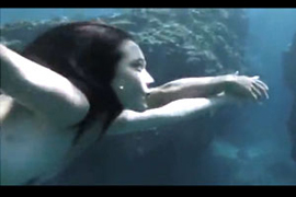 若手女優・吉永淳(22)が映画「2つ目の窓」で見せたお乳&お尻丸出しフルぬーど濡れ場ムービー