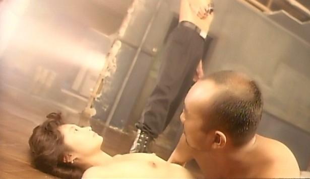 余貴美子(女優濡れ場)映画「ぬーどの夜」で美巨乳丸出し裸濡れ場SEXシーンを披露。(※ムービーあり)