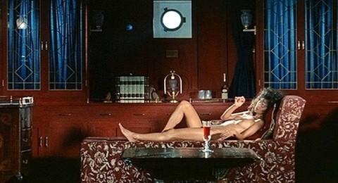 朝加真由美(女優濡れ場)映画「暗室」でラブシーンチクビ出しぬーど。(※写真あり)