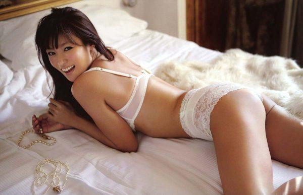 深田恭子(女優34才)が美巨乳丸出し写真を公開。(※写真24枚あり)