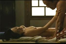 中村優子の映画でのお乳丸出し濡れ場シーン☆役作りのためならなんでもやる実力派の女優