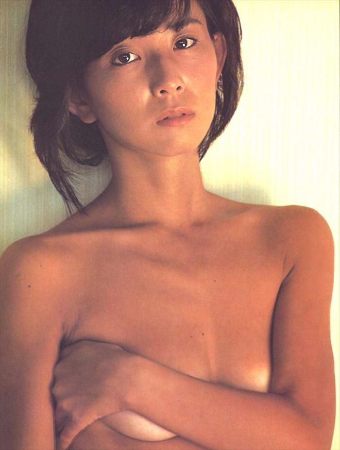 大場久美子(女優)ヌード画像!乳首丸出しおっぱい&水着グラビアがエロすぎて抜ける。(※画像58枚あり)