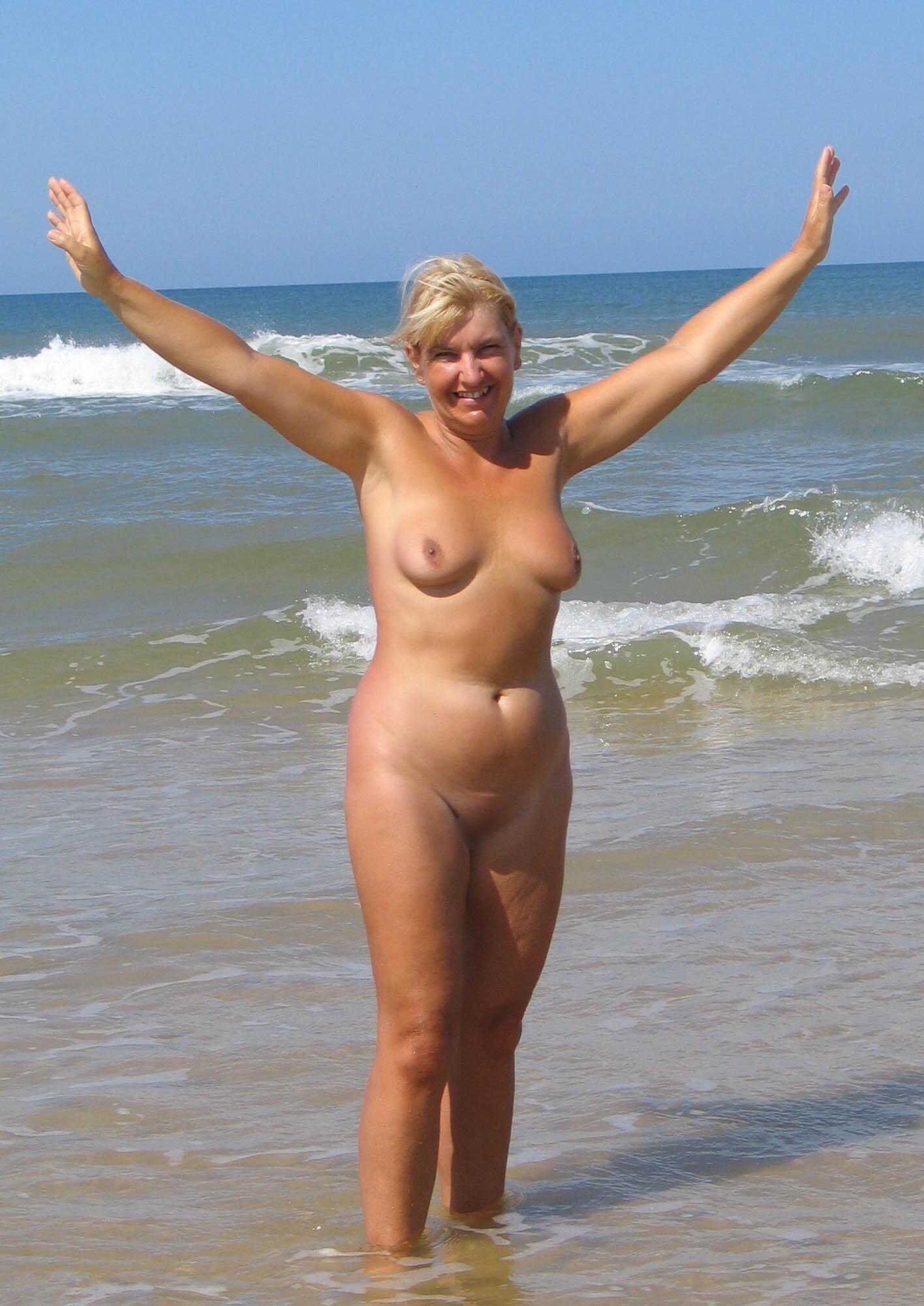 Фото нудистки в возрасте