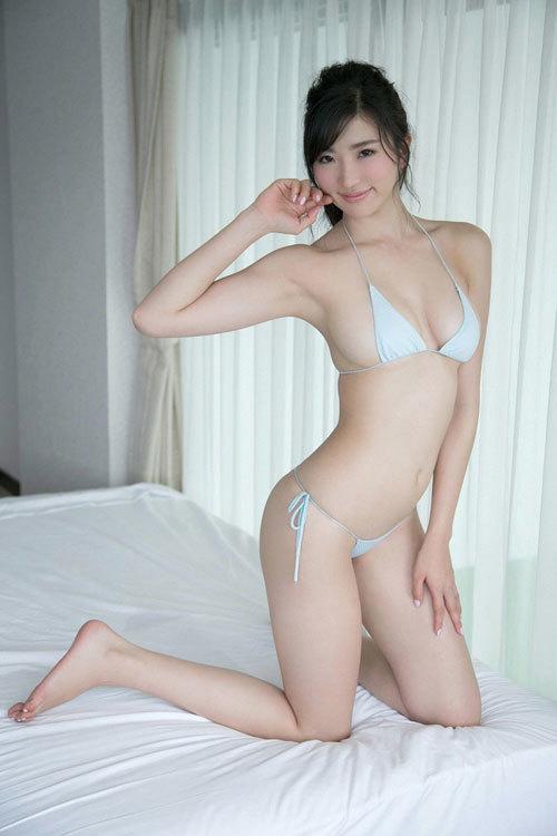 松嶋えいみの長身美巨乳おっぱい46