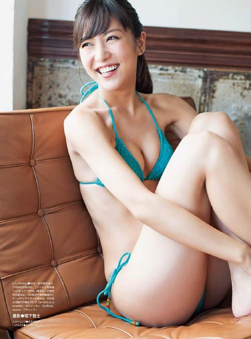 2016年大ブレイクした石川恋(23)の高級下着とセクシービキニ。画像×22