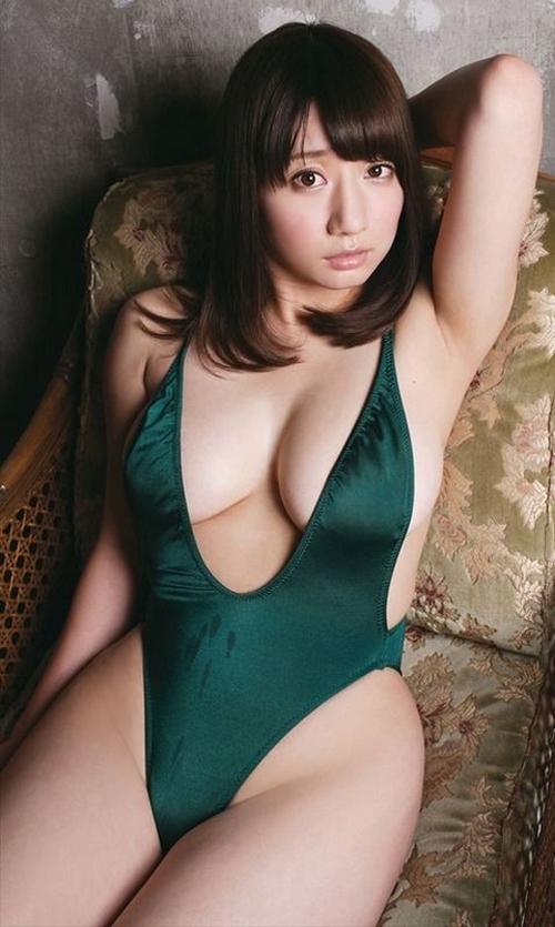 グラドル池田愛恵里の乳揺れgif画像がエロすぎ!Gカップが吹っ飛んでいきそうwww