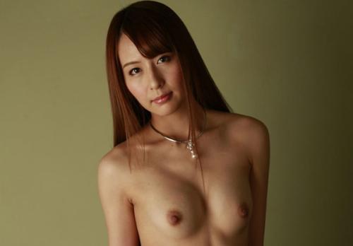 【希崎ジェシカの官能ヌード画像】イタリア人血筋のセクシー巨乳ボディ!