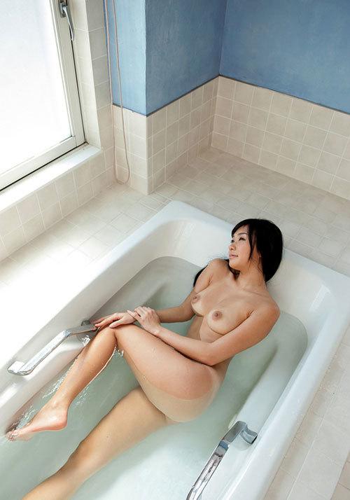 お風呂でおっぱいと浸かりたいね24