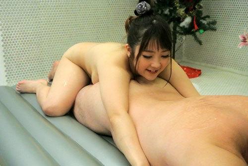 愛乃まほろのおっぱいサンタソープ嬢95