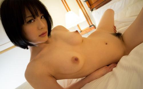 【鈴村あいり官能ヌード画像】清楚で淫乱な美乳お尻の色気!