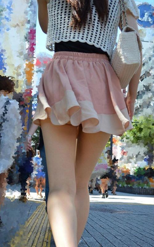 パンチラを恐れずひらひらなミニスカートはいてくれる女が最高すぎる!wwww(画像)