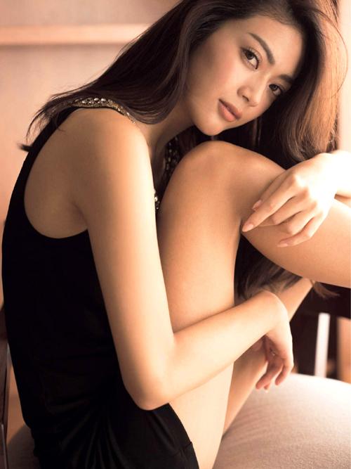田中道子(27) 魔性の9頭身美人女優。