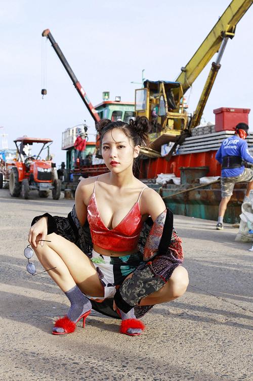 石川恋(23)のヤンキー座りがエロい。